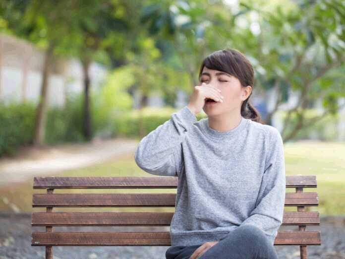 What causes hay fever cough